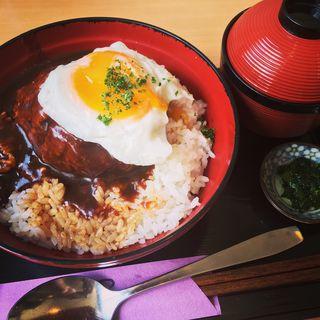 ハンバーグ丼(津々井)