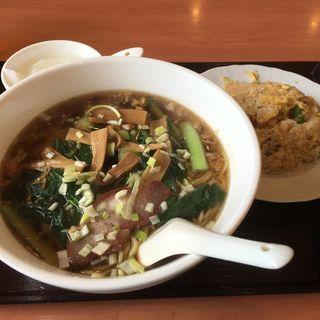 醤油ラーメンと半チャーハンのランチセット(東海嘉宴 (中華居食屋))