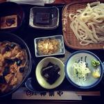 平日限定お昼だけの小丼ぶりセット(親子丼)
