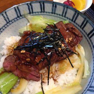 ステーキ丼 ランチのみ(レストラン カミーノ (CaMiNo))