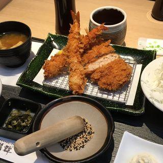 海老フライとミンチカツ(とんかつ料理と京野菜 鶴群 大丸梅田店 (たづむら))