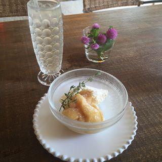 梅ソーダとチーズケーキ(カサ デ チャ イチヨンナナニ (CASA DE CHA 1472))