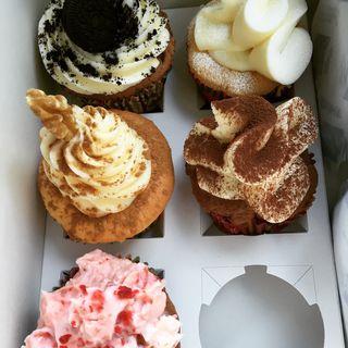 カップケーキ(CUPS -coffee & cupcakes- )