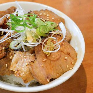 肉飯(ダルマ (Daruma))
