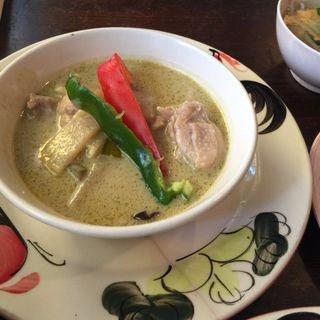 鶏肉と竹の子のグリーンカレー(バナナ食堂 )