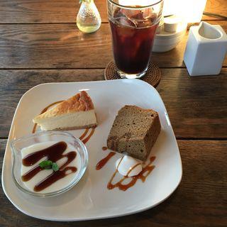 デザート盛り合わせ+オーガニックアイスコーヒー(Midsummer Cafe 夏至茶屋 (ミッドサマーカフェゲシヂャヤ))
