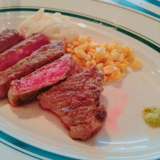 熟成牛のサービスステーキランチ 200g(ゴッチーズビーフ 池袋西口店 )