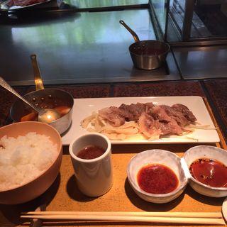 和牛ロースの薄焼き定食(岡半 本店 (オカハン))