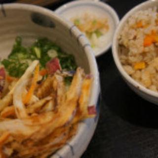 かきあげ生醤油うどんとかやくご飯セット(麺匠 空海 (くうかい))