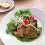 淡路鶏のロースト グリーンソース