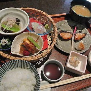 昼膳(西村屋 和楽 (にしむらや わらく))