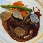 牛フィレ肉のソテーフォアグラソースサマートリュフ添え