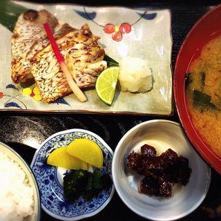 本日の焼き魚定食(鯛)(鳴門船本)