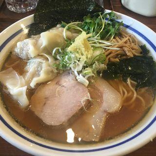 ゴロっと海老ワンタンメン(波音食堂 (ナミネショクドウ))