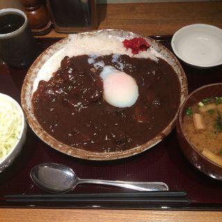 特製ビーフカレー半熟卵付(勝ちゃん )