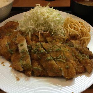 チキンカツ定食(ジャンボサイズ)(UOMO (ウオモ))