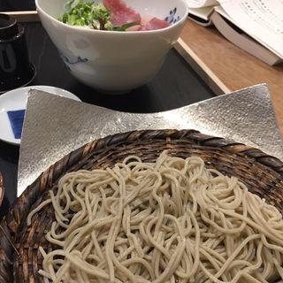 海鮮丼と冷たいそばのランチ(雨後晴 錦繍 (アメノチハレ キンシュウ))