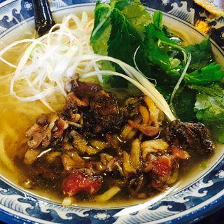 炭火焼鶏麺(塩)(支那そば屋 三馬店 (シナソバヤ))