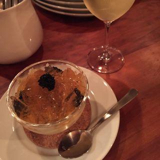 生ウニとコンソメジュレにトウモロコシのムース(Bar Spesso (バール スペッソ))