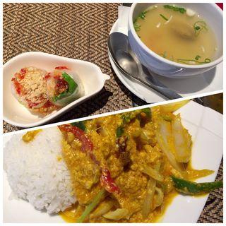 シーフードのカレー炒めライス(タイレストラン Smile Thailand (スマイルタイランド))