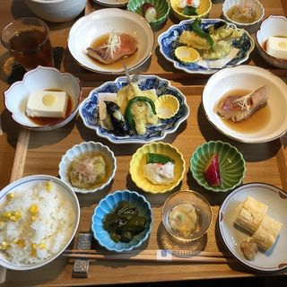 九種のおばんざい御膳(居様 (IZAMA))