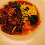 ★★季節のお料理★★ ペチョンネイ・オレム(やわらかい鹿肉ローストのそば粉クレープ添え、赤スグリのト