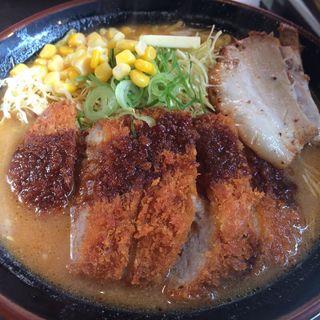 北海道百年味噌カツラーメン(國丸 )