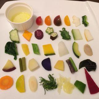 季節を味わう藤沢野菜のサラダ(アンブレラ )
