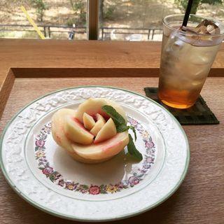桃のタルト(ソビノワ)