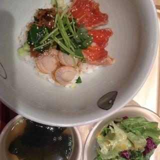 鮭、高菜と帆立のご飯(マルモキッチン 阪急梅田店 )