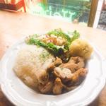 チキンの香草焼きライスプレート(グデン (GUDENE))