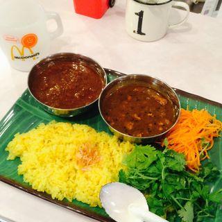 2種カリ〜(カリ~ アンド スパイスバル カリ~ビト (Curry & Spice Bar カリービト))
