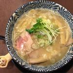 煮干し風味の鶏白湯らぁめん(彩色ラーメン きんせい夢風 (【旧店名】きんせい 総本家 高槻栄町))