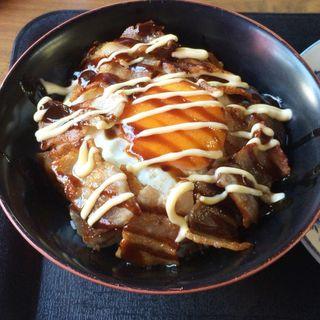 豚玉丼(八重食堂 )