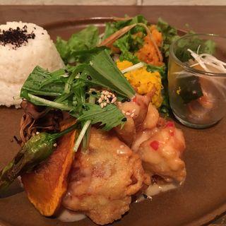 鶏の唐揚げスイートチリソースセット(小空カフェ artisan (【旧店名】小空荘))