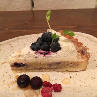 ブルーベリーとクリームチーズのタルト(小空カフェ artisan (【旧店名】小空荘))