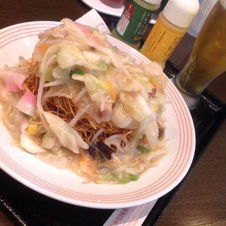 野菜たっぷり皿うどん&昼からビール(リンガーハット 名古屋錦店 (Ringerhut))