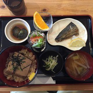 豆腐茶飯定食(お多幸 大宮東口店 )