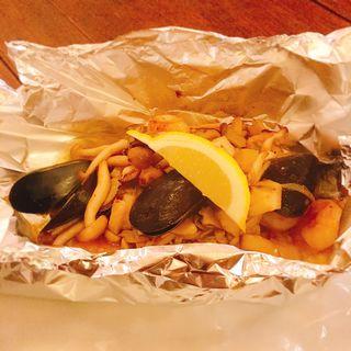 魚介と椎茸の塩レモンバターホイル焼き(キッチン アモーフ(KITCHEN AMOFU))