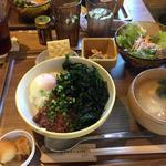 肉みそ海苔たまご飯定食(ぞうめし屋 )