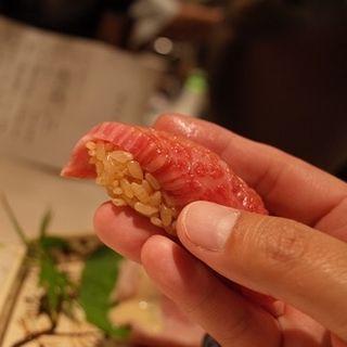 サガリの握り(赤シャリ)(和牛銘菜 然 (ゼン【旧店名】CHARCOAL GRILL 然))