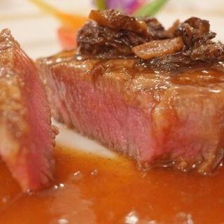 国産牛ヒレ肉のステーキ 温野菜添え(綱町三井倶楽部 (ツナマチミツイクラブ))
