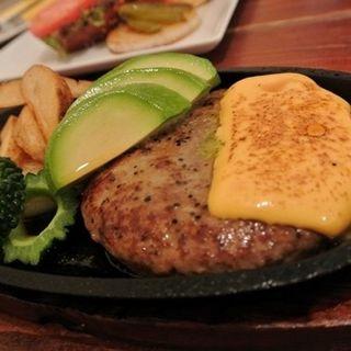 アボカドチーズハンバーグステーキ(コーナーズグリル)