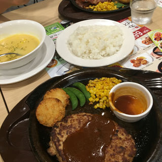 ハンバーグステーキ(ガスト 下関武久店)