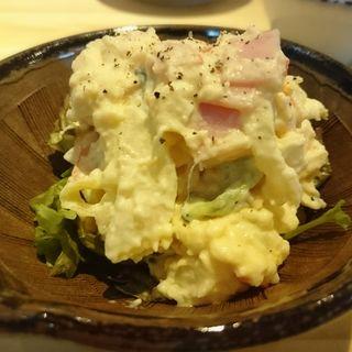 ポテトサラダ(博多屋台酒場 よったか)