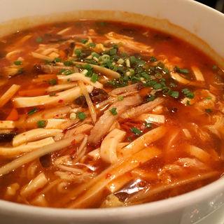 サンラータン麺(Hibusuma (ヒブスマ))