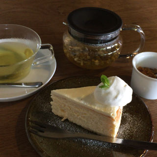 サワークリームチーズケーキ(ワラナヤ (waranaya))