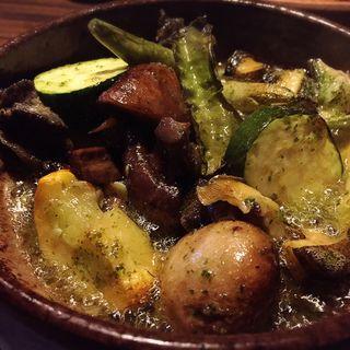 トコブシとキノコのココット焼き(Capanna d'Orso(カパンナドルソ))