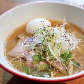 いりこらーめん醬油+特製(ダルマ (Daruma))