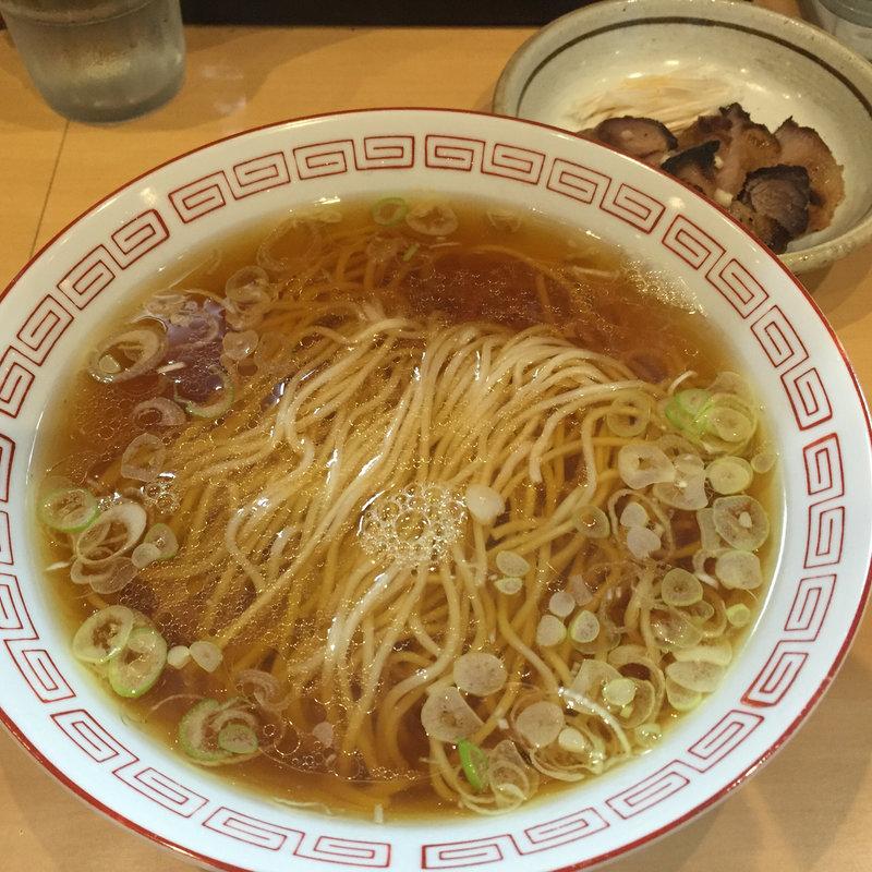 湯麺(とんみん)とチャーシュー(ハーフ)